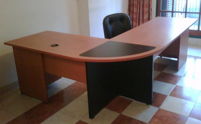 Escritorios gerenciales ambiente empresarial for Fabrica de escritorios de oficina